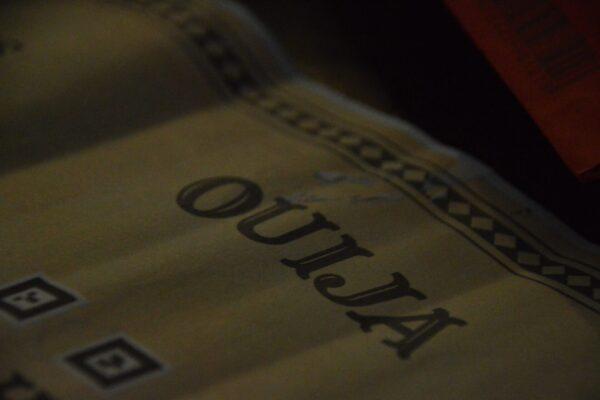 Escape box thuisspel Ouija